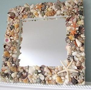 Deniz-kabukları-ve-çakıl-taşları-ile-süslenmiş-ayna-modeli
